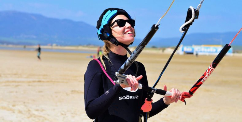 Beginner kite surfing lessons in Tarifa, for girls, friends and more.
