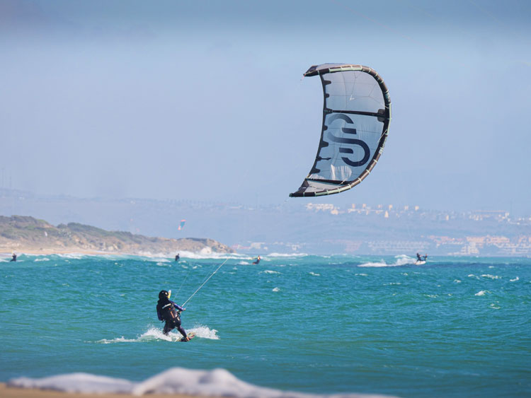 Visit us this summer and learn kiteboarding in the famous Tarifa spot with international kite instructors.