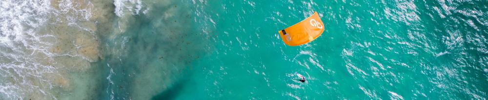 Venez apprendre et découvrir le kitesurf à Tarifa en Espagne.